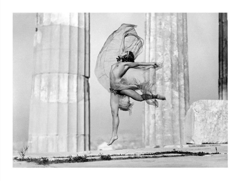 Όταν ο οίκος Dior και η Nelly's έκαναν φωτογράφιση στην Ακρόπολη (η αξία των φωτογραφιών σήμερα)
